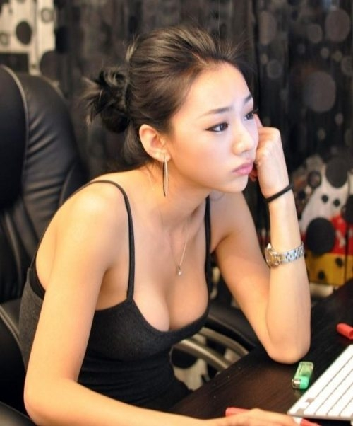 日本美女与中国男人性交_外国美女评中国男人优缺点:有钱却很自私
